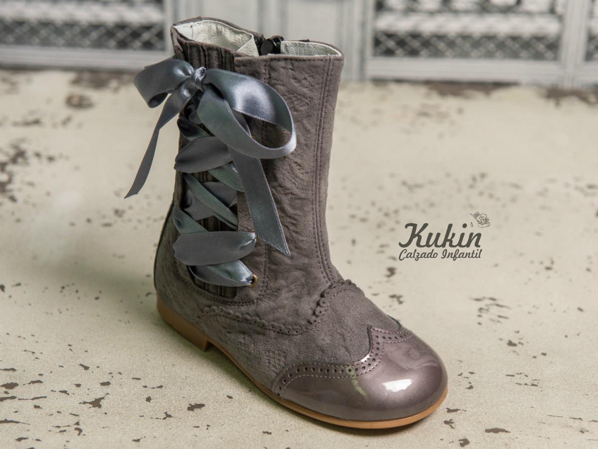 botas pascualas grises